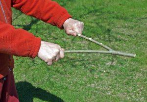 Dowsing rod wood ردیابی با انتن چوبی