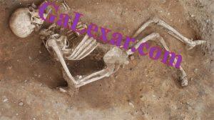 استخوان داخل قبر